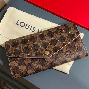 Louis Vuitton Sara wallet